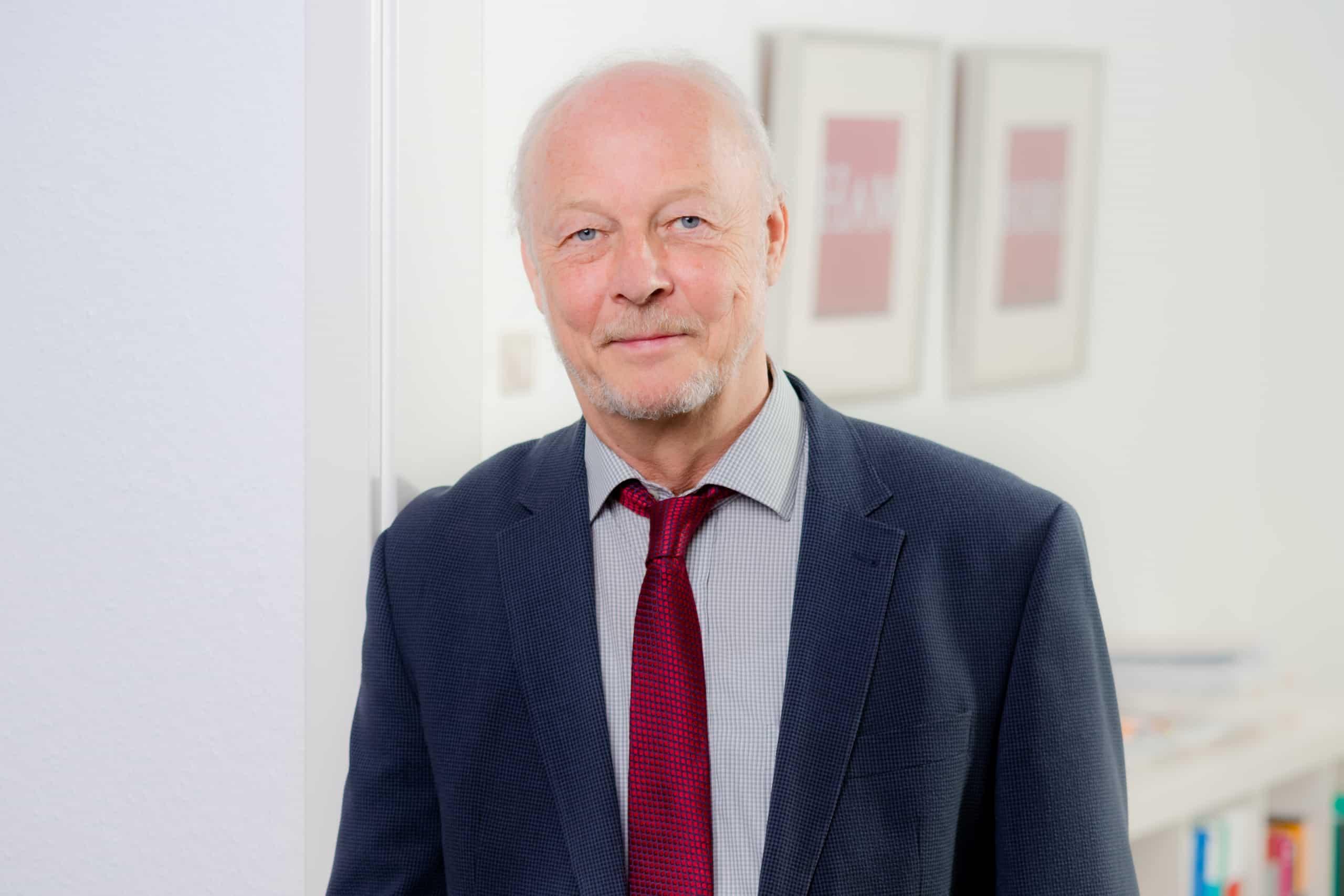 Karl-Hermann Bauer